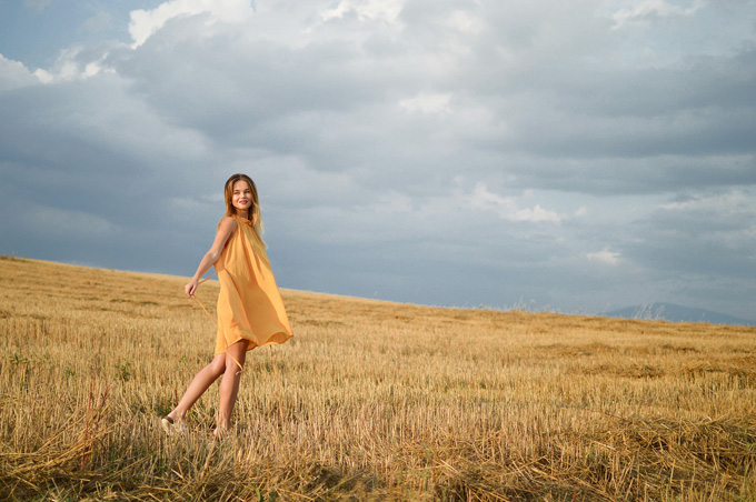 Kleid Gelb Feld