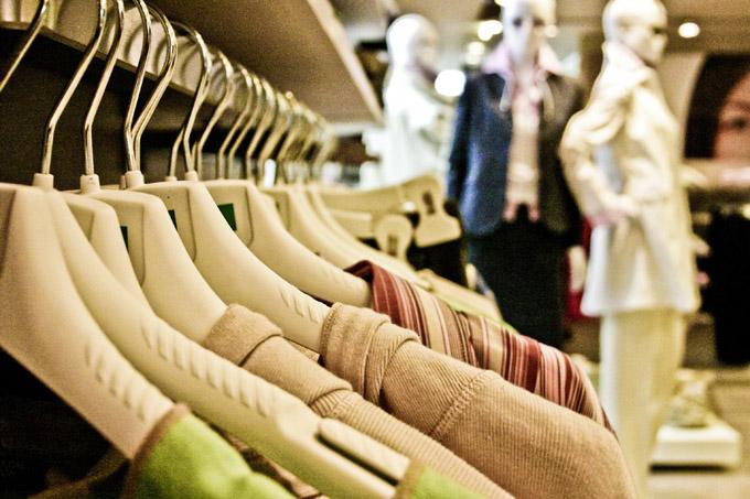 Kleiderbügel Shopping Kleidung